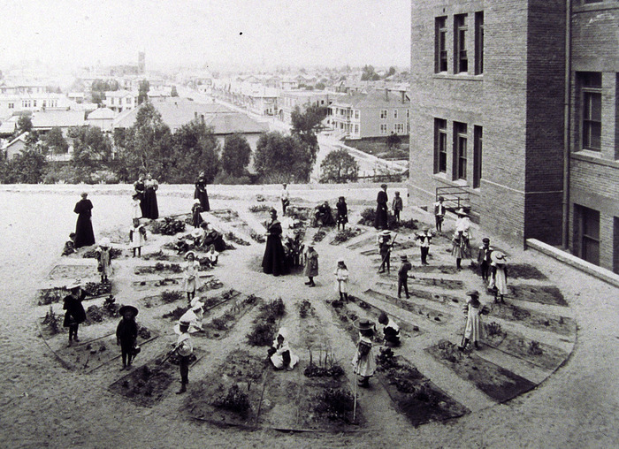 Kindergarten garden, Los Angeles circa 1900.