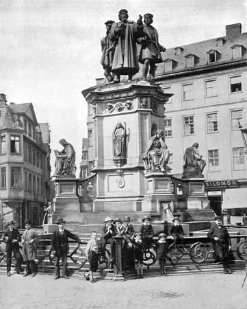 The Gutenberg Monument, Frankfurt, Germany, late 19th century.